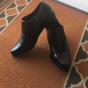 Leather Dingo Ankle Boots NWOT
